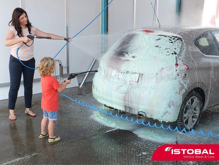 Pena za pranje avtomobila